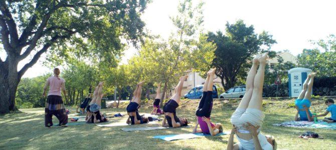 Yoga Soline na Krku