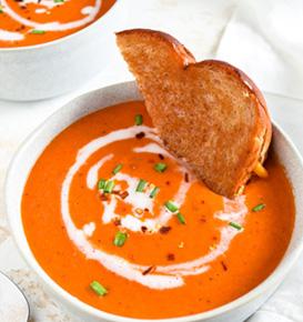 Veganska juha od rajčice i bosiljka